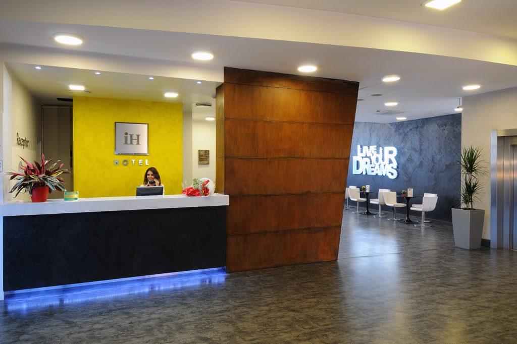 IH Hotels Milano Lorenteggio - Reception