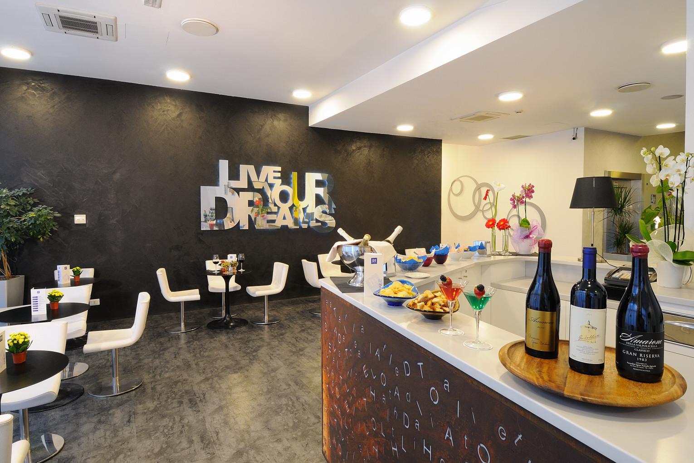 IH Hotels Milano Lorenteggio -Lobby Bar