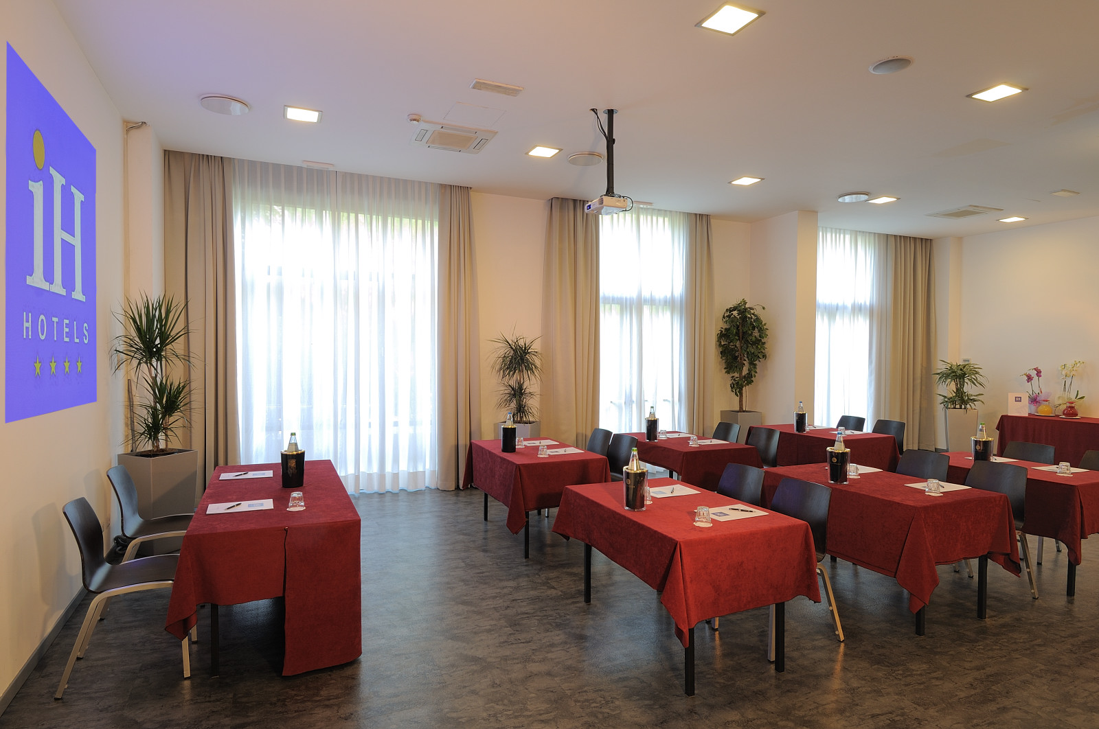 IH Hotels Milano Lorenteggio - Meeting Room