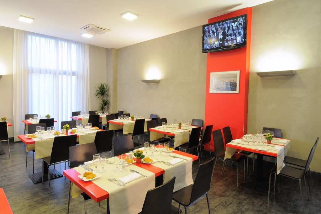 Ih hotels milano lorenteggio best rate the for Hotel the best milano
