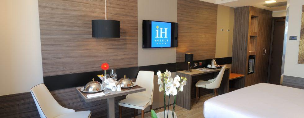 IH Hotels Milano Lorenteggio -Room Service